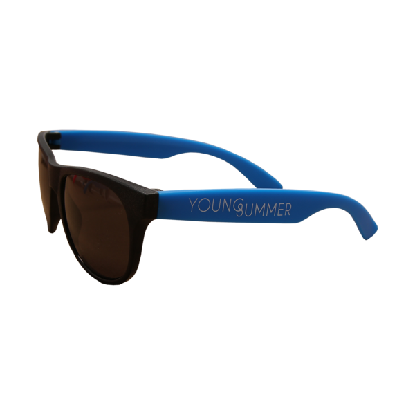 Young Summer Black Wayfarers